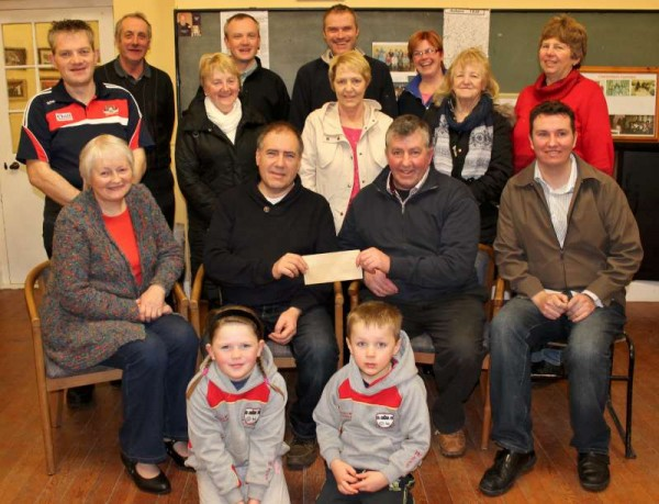 A superb cheque in excess of €800.00 was presented by the Coordinating Group of the Annual Christmas Mushera Climb to the Aubane Community Alert Group at Aubane Community Centre this Tuesday night 20th January 2015.  Some one hundred people participated in the Mushera Climb.  Click on the images to enlarge.  (S.R.)