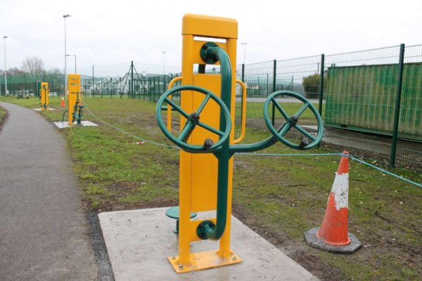 17Town Park Outdoor Gym Equipment Launch 2015 -800