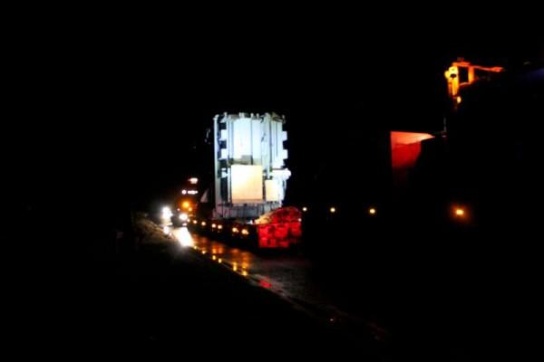 18Abnormal Load Makes Progress 27 Feb. 2015 -800