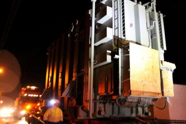 28Abnormal Load Makes Progress 27 Feb. 2015 -800
