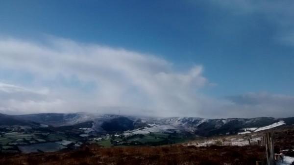 2015-03-02 Top of Clara in Snow 03 - looking south towards Gneeves