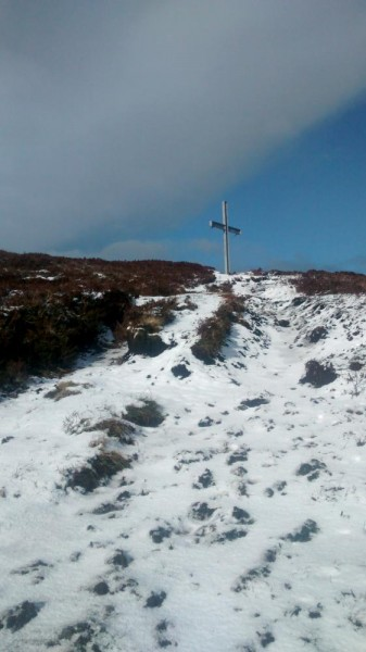 2015-03-02 Top of Clara in Snow 04 - Path nears the cross on top