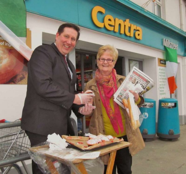Manager of Herlihy's Centra, Millstreet - Greg Kuderski - makes a wonderful presentation to Margaret Bourke on Mother's Day - 15th March 2015.  Click on the image to enlarge. (S.R.)