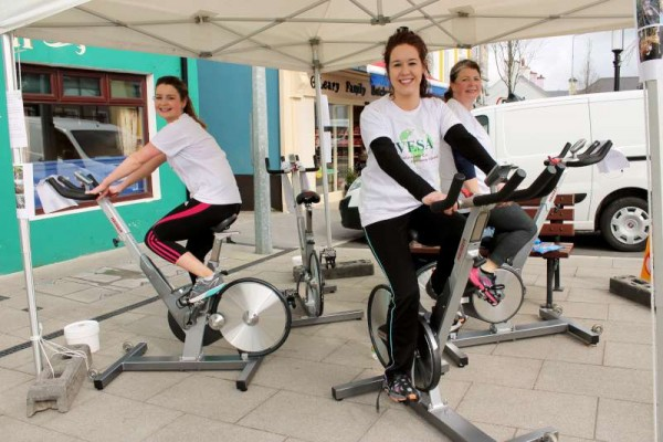 "Saoirse, Ann and Nicola enthusiastically taking part in today's ""Spinathon"" at The Square, Millstreet - a fundraising project for V.E.S.A. (Volunteer Eco Students Abroad).  Click on the images to enlarge.  (S.R.)"
