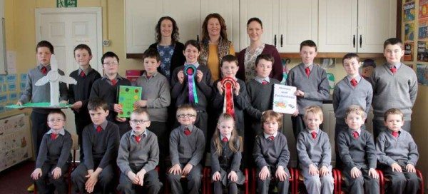 5Cloghoula N.S. receives Magnificent Award 2015 -800