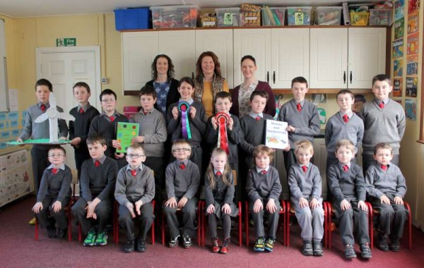 7Cloghoula N.S. receives Magnificent Award 2015 -800
