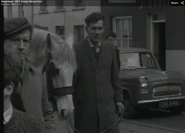 1965 March Horse Fair - an RTÉ Newsbeat report 14 - CHI 849 outside Radleys in the Square
