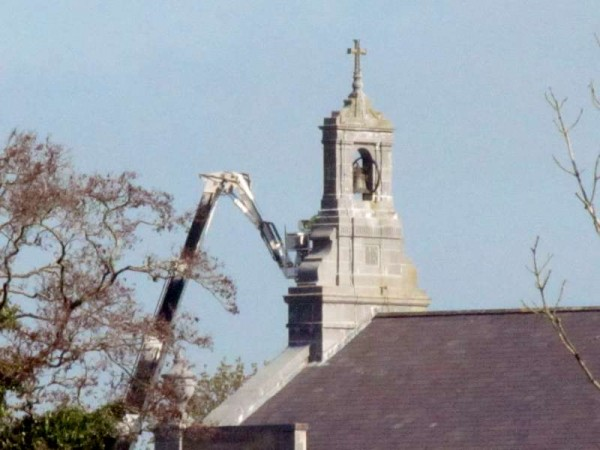 1Hoist at St.Patrick's Church, Millstreet  8th April 2015 -800