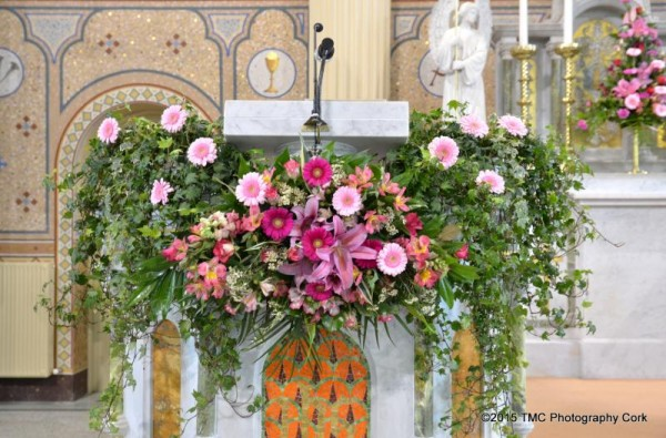 2015-04-11 The Altar at St.Patrick's Church - Flowers 4419-800
