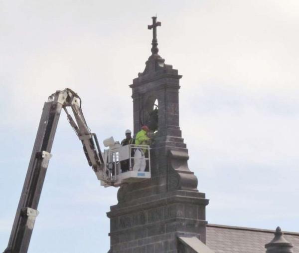 3Hoist at St.Patrick's Church, Millstreet  8th April 2015 -800