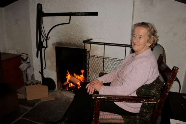 4Round the Fireside with Jimmy Reidy on Monday 27 Apr. 2015 -800