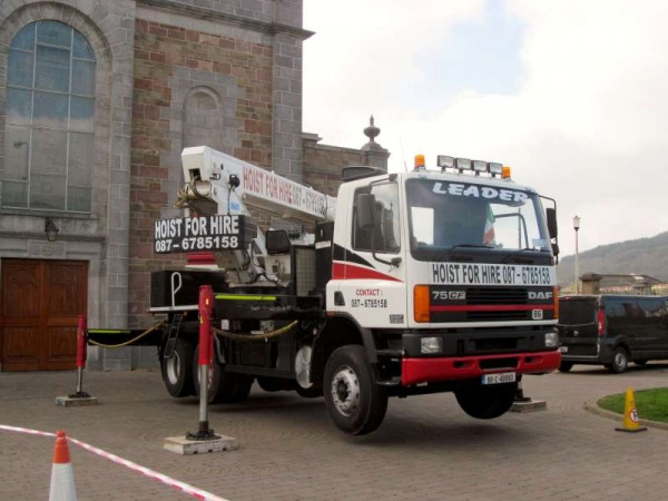 7Hoist at St.Patrick's Church, Millstreet  8th April 2015 -800