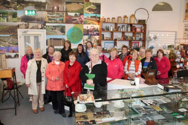 Kanturk's Open Doors Group and Australian relatives of the late Jim Forde, Austalia and Liscahane, Millstreet.   Click on the images to enlarge.  (S.R.)