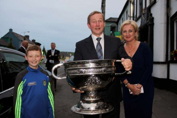 4Taoiseach Enda Kenny in Millstreet 12th June '15 -800