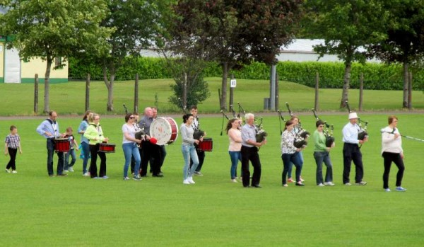 6Millstreet Pipe Band Practice Time for Munster Final 2015 -800