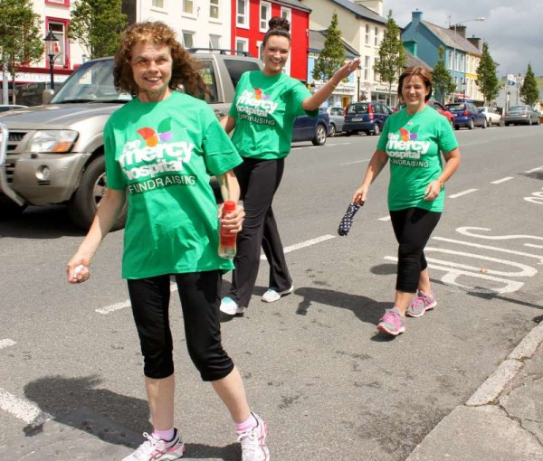 2Irish Rail Walking Group Mercy Hospital Fundraising 2015 -800