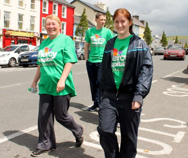 4Irish Rail Walking Group Mercy Hospital Fundraising 2015 -800