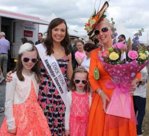 2015-06 Cork Rose Aoife Murphy with Gillian Gilbourne and her girls