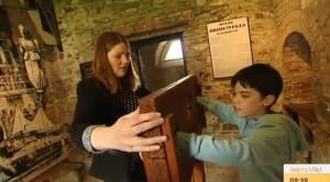 2015-08-08 Sarah O'Shea - Cork City Gaol on TV3 04