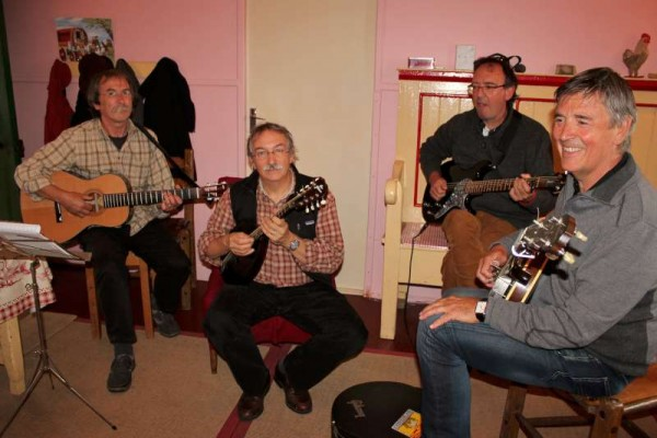 4Bustarins French Group in Millstreet August 2015 -800