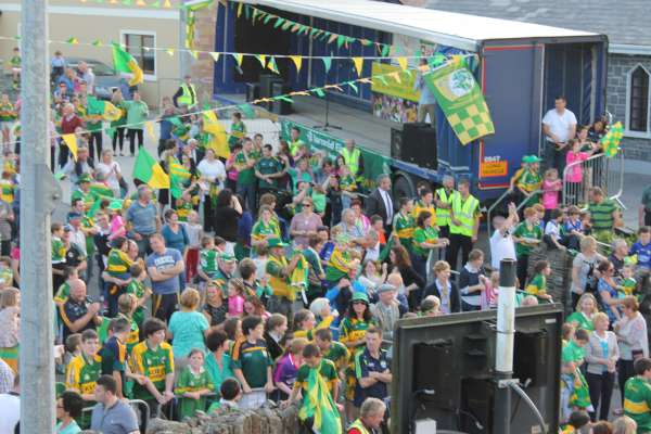 14Kerry Football Team Homecoming in Rathmore 2014 -600