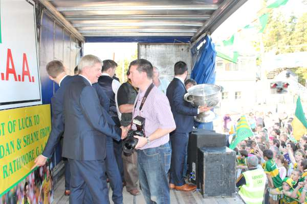 41Kerry Football Team Homecoming in Rathmore 2014 -600