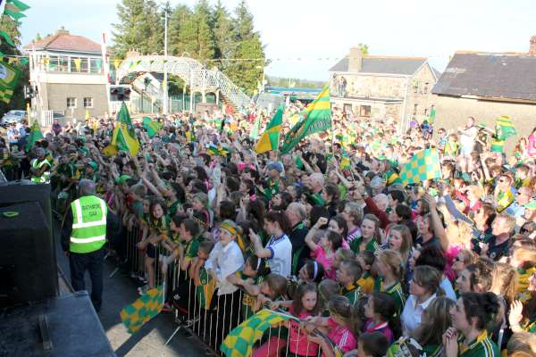 42Kerry Football Team Homecoming in Rathmore 2014 -600