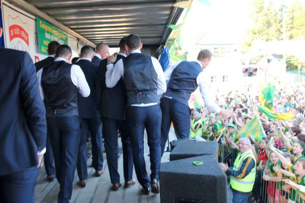 43Kerry Football Team Homecoming in Rathmore 2014 -600
