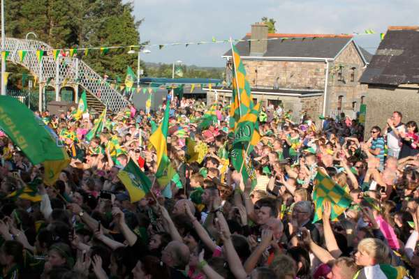 51Kerry Football Team Homecoming in Rathmore 2014 -600
