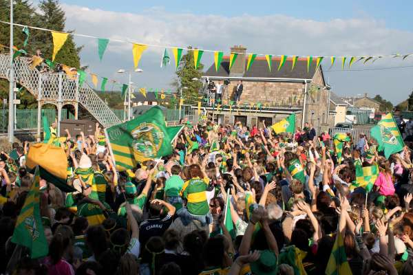 66Kerry Football Team Homecoming in Rathmore 2014 -600