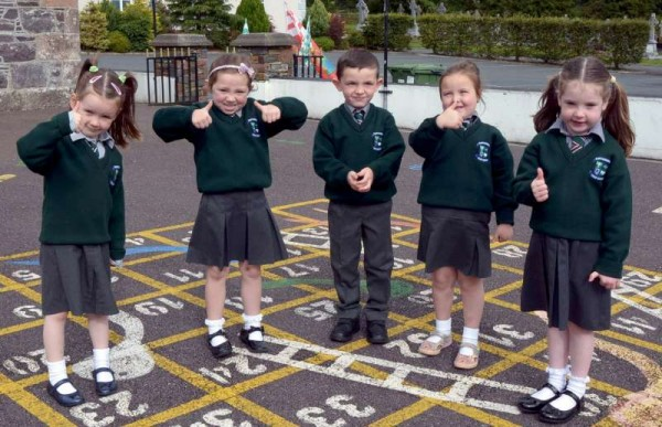 Thumbs Up from the Kilcorney N.S. Junior Infants Class 2015, Siobhan O Regan, Katie Nolan, Shane O Sullivan, Leah Murphy & Ayda Hickey-800