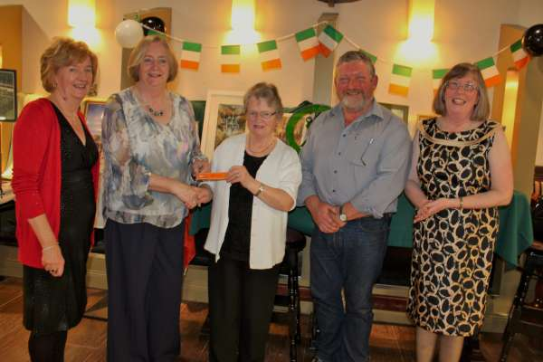 Presentation of special 30th Anniversary Pen (kindly sent by Yves Allain) to Joan Healy whose late husband, Conchubhar, was one of the four truly dynamic Chairmen of the Millstreet Twinning Association.