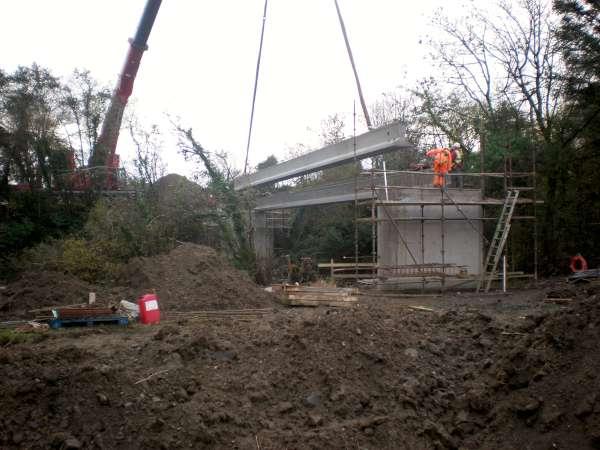11Construction of the Boeing Walk Bridge 2015 -600