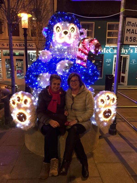 2015-12-01 The New Bear in the Square 1624 - Catherine and Noirín