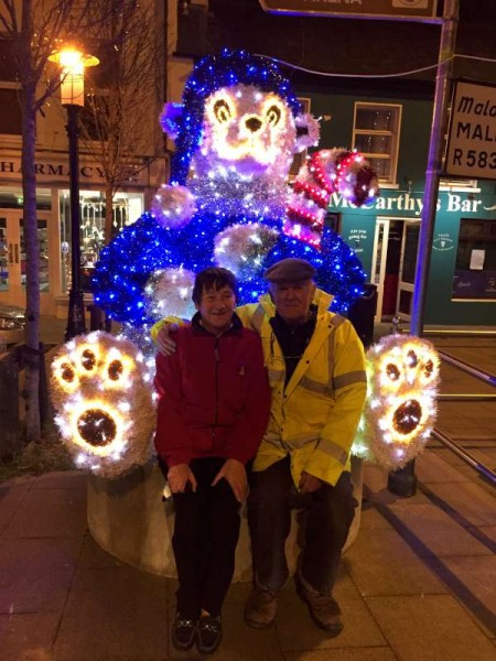 2015-12-01 The New Bear in the Square 1635 - Mary and Denis Lane