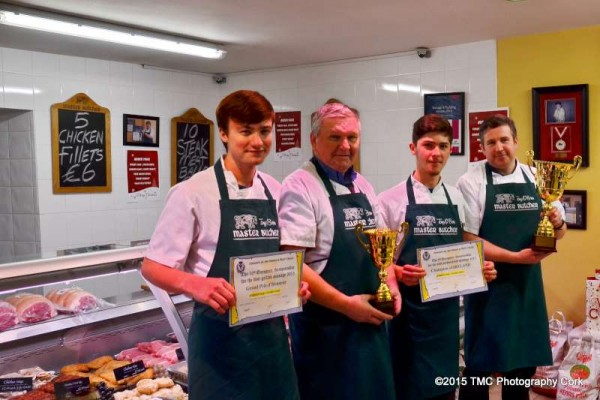 2015-12-9 Alencon European Sausage Prizes for Tony O'Brien Master Butcher 04-800