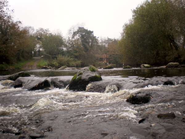 """We thank Eileen who lives close to the River Blackwater for providing us with splendid images regarding the construction of the Boeing Bridge (""""Áth an Mhuilinn"""")."""