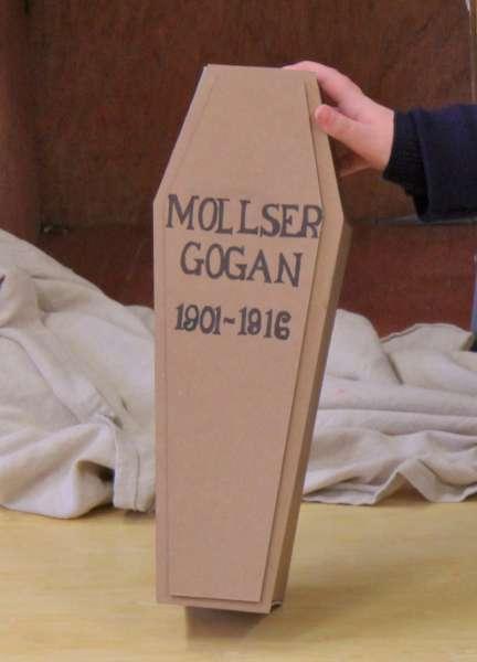 11Me, Mollser 1916 Commemoration Drama -600