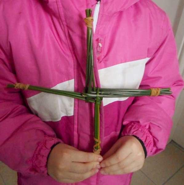 2St. Brigid Crosses Workshop at Library 2016 -600