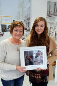 2016-01-23 Geraldine Dennehy and daughter Lauryn - on collecting her prize at Irish Examiner amateur photograph of the year_