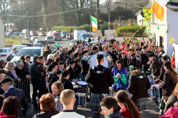 We share the first three images of a truly wonderful St. Patrick's Parade held on Sunday, 20th March 2016 in the very welcoming Carriganima blessed with glorious sunshine. Great credit is due to Seán Murphy and his Coordinating Team for such a very successful annual event. Grand Marshal of the Parade was Cllr. John Paul O'Shea, Mayor of Cork County. Lots more pictures to follow later. Click on the images to enlarge. (S.R.)