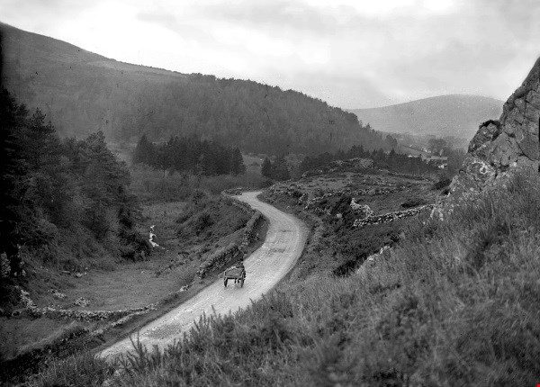 1912 The road at Keim, with Clara Moutain in the distance