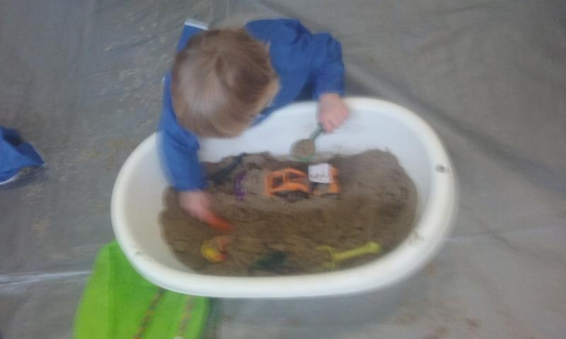 2016-04-19 Messy Hands at Millstreet Parent and Toddler Gtoup 101918-800
