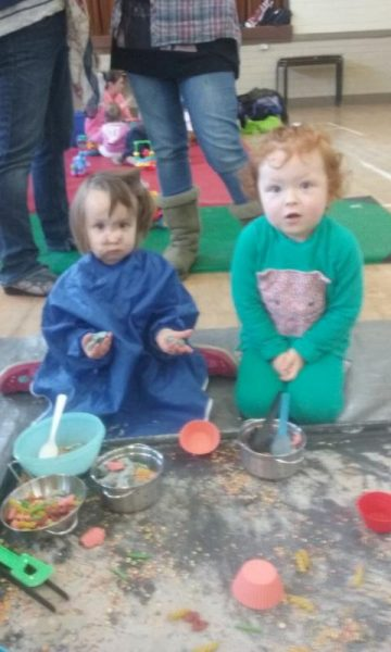 2016-04-19 Messy Hands at Millstreet Parent and Toddler Gtoup 104314-800