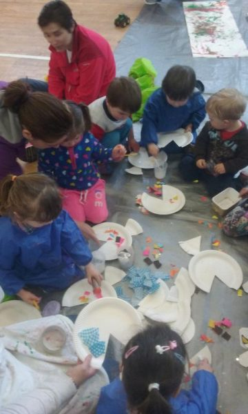 2016-04-19 Messy Hands at Millstreet Parent and Toddler Gtoup 105909-800