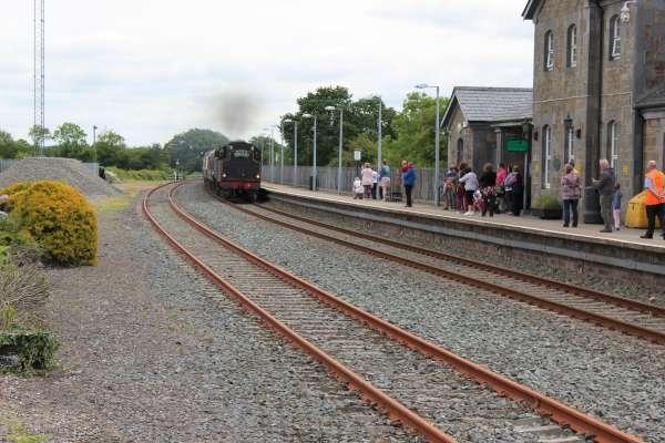 12Emerald Isle Explorer Steam Train in Millstreet 2016 -600
