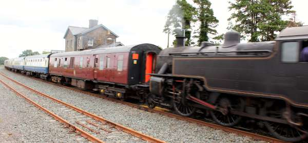 18Emerald Isle Explorer Steam Train in Millstreet 2016 -600