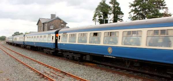 20Emerald Isle Explorer Steam Train in Millstreet 2016 -600