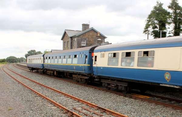 23Emerald Isle Explorer Steam Train in Millstreet 2016 -600