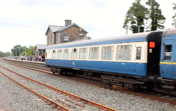 25Emerald Isle Explorer Steam Train in Millstreet 2016 -600